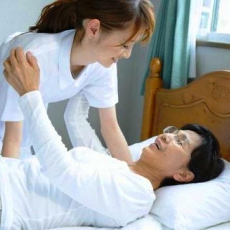 Formation massage soignants aide � la personne personne �g�e Natacha Muller